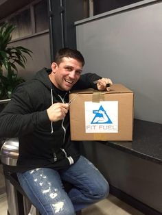 """@Alex Reid: """"Yum yum, eating healthy is easy with http://Www.fit-fuel.co.uk Time to look lean & hard again!"""""""