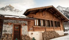 The exterior of the Chalet Maverick in Chamonix