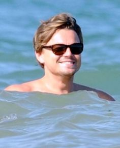 Leonardo DiCaprio Photos - Actor Leonardo DiCaprio seen hanging out with friends while on vacation in Ibiza, Spain. - Leonardo DiCaprio On Vacation In Ibiza Leonardo Dicaprio Shirtless, Leonardo Dicaprio Now, Ibiza, Leo Love, Most Beautiful Man, Titanic, Hollywood, Celebs, Actors
