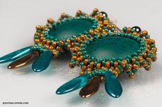 PRECIOSA Cut Rocailles - Charlottes - Romana Tschunko by PRECIOSA ORNELA Traditional Czech Beads, via Flickr