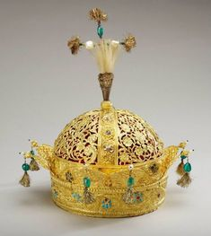 Crown of the Emperor Bahadur Shah II (the last Mughal emperor). 1850. Gold…
