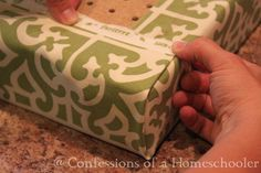 Great look at how to get perfect corner on a bench seat cushion. Great look at how to get perfect corner on a bench seat cushion. The post Great look at how to get perfect corner on a bench seat cushion. appeared first on Upholstery Ideas. Window Seat Cushions, Window Benches, Bench Cushions, Outdoor Cushions, Bedroom Benches, Upholstery Cushions, No Sew Cushions, Outside Cushions, Playroom Bench