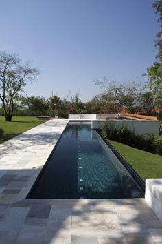 Galeria de Residência no Condomínio Vila Real de Itu / Gebara Conde Sinisgalli Arquitetos - 3