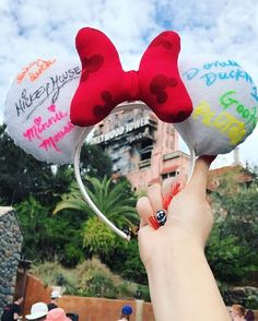 disney crafts My very first Mickey Ears signed by some of my favorite characters(A clue on how to find me today) # Disney Diy, Diy Disney Ears, Disney Bows, Disney Crafts, Disney Outfits, Disney Trips, Disney 2017, Disney Fashion, Disney Shirts