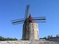 【F】風車。風がなくてもある存在感。