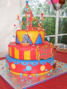 Circus 1st Birthday Cake with Fondant Animals by PARADISEBAKESHOP, via Flickr