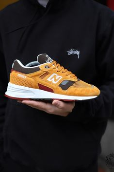 New Balance 1530 Zapatos New Balance, New Balance Sneakers, New Balance Shoes, New Balance Outfit, Sneaker Outfits, Mens Fashion Shoes, Sneakers Fashion, Sneakers Mode, Shoes Sneakers