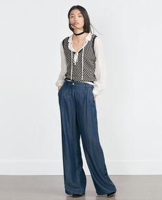 Trendencias - Apuesta por los maxi pantalones en tus looks seventies