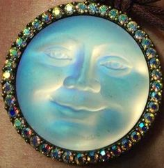Seaview Moon - button /brooch
