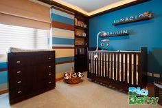 Una buena idea es colocar el nombre de tus peques en su habitación.