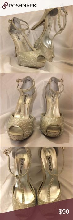 Steve Madden Heels Super comfortable heels, size 6.5 M, only worn once (at prom), perfect for NYE or Las Vegas! Steve Madden Shoes Heels