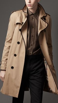 Burberry Spring/Summer 2012 Mid-Length Cotton Gabardine Leather Trench Coat