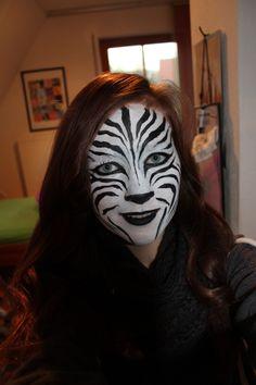 zebra face painting :D