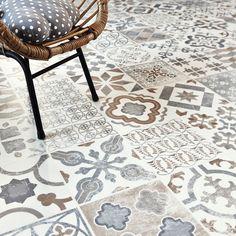 Marokkoinspirerte gulv fås som både laminat, vinyl og fliser. Tarkett Trend 240 Almeria Natural
