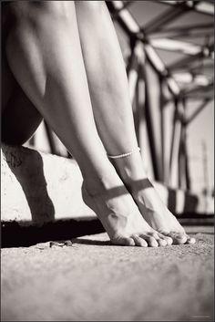 https://flic.kr/p/daDetg | girl's legs | legs of a beautiful young girl) long fingers ...