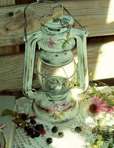Give Katie the one in the basement so she can try this out. My Home Design, House Design, Crafts To Do, Diy Crafts, Decoupage, Painted Wine Bottles, Truck Art, Art Drawings For Kids, Lanterns Decor