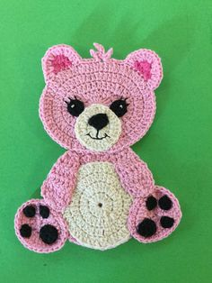 Crochet Teddy Bear Tutorial Welcome to this new crochet appliqué. Learn how to make this teddy with my crochet teddy bear tutorial and free crochet pattern. Crochet Applique Patterns Free, Crochet Teddy Bear Pattern, Crochet Bear, Cute Crochet, Baby Knitting Patterns, Crochet Motif, Baby Blanket Crochet, Crochet Crafts, Crochet Dolls