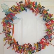 Edible Candy Wreath {How-To} cute welcome home/to the neighborhood gift