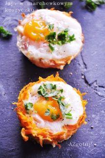 Jaja zapiekane w marchewkowym koszyczku z chrzanem