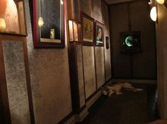 This artist is obsessed with dogs that hang around art