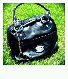 Pañalera Cloe: $1,200. (negra) Incluye porta pañales, porta chupón, cambiador, porta biberón, stroller hooks