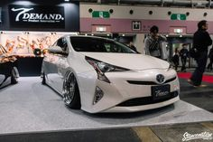 Hi, this is Ikeda. A cold day still continues in Japan. But, a lot of hot events are performed even in winter. Osaka Auto Messe is one, too. A lot of very cool cars were displayed. Above all, seasonal one is a new model of Toyota PRIUS.  It was just released in Japan in December, 2015.  Dress-up parts are already released in sequence in after by the parts maker.  The dress-up parts ALPHARD released in January, 2015 increased.  Not only such latest car but also such an old car is displayed…