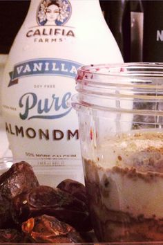 This shake tastes like Brownie Batter!  (made with Califia Farms' Vanilla Almondmilk)