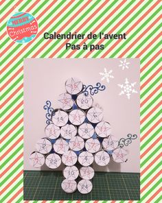 Apprenez à réaliser un calendrier de l'avent avec des rouleaux de papier toilette ou d'essuie-tout. De quoi faire plaisir aux petits et aux grands!