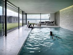 Stunning House By the Sea pics) - Indoor Pool Designs Luxury Swimming Pools, Luxury Pools, Indoor Swimming Pools, Dream Pools, Swimming Pool Designs, Lap Swimming, Ideas De Piscina, Inside Pool, Moderne Pools