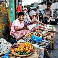 Travel Blog, Travel Tours, Going On Holiday, Holiday Fun, Iphone Photography, Travel Photography, Street Vendor, Music Backgrounds, Manila Philippines