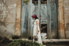 - Serafin Castillo -wedding dress - dress - flower crown - flowers - vestido de novia - love - style - fotografo - wedding - bodas - hair - style - Laure de Sagazan - portraits - wedding dress - boho - www.serafincastillo.com