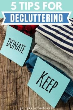 Need help decluttering your home? We're sharing 5 tips for decluttering to help you downsize and keep what you love. #decluttering #organization Downsizing Tips, Life Organization, Organizing Life, Natural Furniture, Living Off The Land, Minimal Decor, Declutter Your Home, Minimalist Living, Feeling Overwhelmed