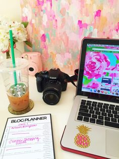 luckydayblog:  You know you're a fashion blogger when…