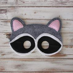 Raccoon Mask, Animal Mask - Costume, Halloween - Woodland, Dress Up, Pretend Play by AnnsCraftHouse on Etsy https://www.etsy.com/listing/235238005/raccoon-mask-animal-mask-costume