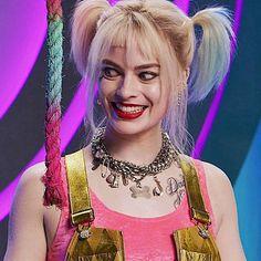 Arlequina Margot Robbie, Margo Robbie, Margot Robbie Harley Quinn, Harley Quinn Drawing, Harley Quinn Comic, Harley Quinn Cosplay, Series Dc, The Big Band Theory, Der Joker