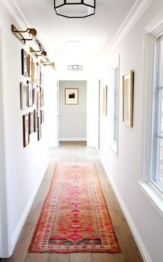 How to decorate a narrow hallway Bellacor Decorating Photo