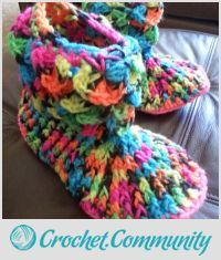 EDITOR'S CHOICE (09/10/2015) Crocodile Boot by Shirley View details here: http://crochet.community/creations/3668-crocodile-boot