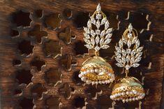 Gold Jhumka earring