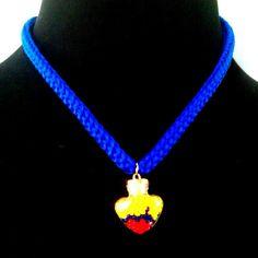 952311f23dea Collar colombia tricolor cordón dije estilo moda tendencia. Accesorios Jeco