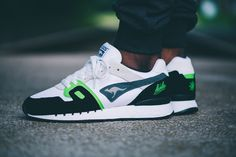"""'Sneakers' Magazine x KangaROOS Omnicoil """"Absinthe"""": KangaROOS and 'Sneakers' toast to rituals with their latest drop. Cute Sneakers, Sneakers Mode, Best Sneakers, Casual Sneakers, Sneakers Fashion, Casual Shoes, Shoes Sneakers, Sneaker Trend, Puma Sneaker"""