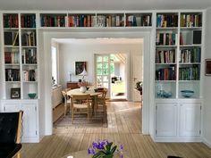 Bookshelves In Living Room, Bookshelves Built In, Living Room Inspiration, Home Decor Inspiration, New Living Room, Living Area, Interior Decorating, Interior Design, Style At Home