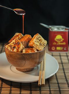 "This recipe took part in our Second International Smoked Paprika Powder La Chinata Recipe Contest, namely ""Tofu in Bitter-sweet sauce"" made by Daniel Recio from A Coruña.  Esta receta particpó Segundo Concurso Internacional de Recetas Pimentón Ahumado La Chinata, a saber, ""Tofu con salsa agridulce"" elaborada por Daniel Recio de A Coruña."