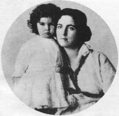 Young Vivien Leigh and her mother Gertrude