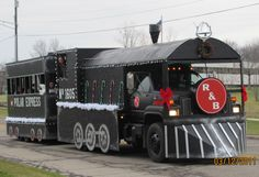 Polar Express float at Lebanon Missouri's 2015 holiday parade ...