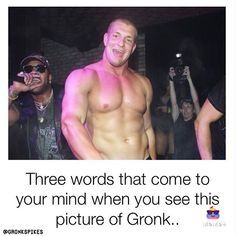 Threw words that come to your mind when you see this picture of Gronk? Mine are sexy ass boo Gronk Patriots, Edelman Patriots, Pro Football Teams, American Football Players, Rob Gronkowski Shirtless, Baseball Guys, Shirtless Hunks, Beautiful Men Faces, Beefy Men