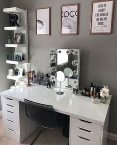"8,668 Likes, 54 Comments - Impressions Vanity Co. (@impressionsvanity) on Instagram: ""Let's start the week off glam with @muaddict_'s gorgeous #beautyroom featuring the Hollywood Glow…"""