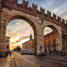 """This arch for every veronese is known as """"the watch"""""""
