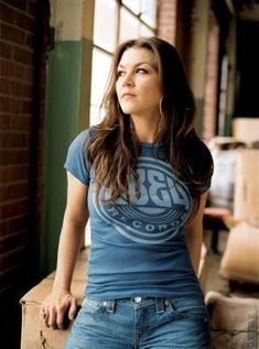 Gretchen Wilson Photo Mug Hot Cocoa Gift Basket Country Female Singers, Country Music Artists, Country Music Stars, Country Musicians, Real Country Girls, Country Women, Gretchen Wilson, Redneck Woman, Cool Countries