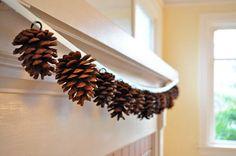 decoracion DIY rustica con piñas adornos colgantes