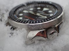 """Made to fit SKX Seiko watch. Fits other Seiko with identical fixing systems. Suitable for installing a typical inner bezel-ring from Seiko. Custom made bezel with 60 teaths = 120 """"cliks"""" ratchet - system. Seiko Skx007 Mod, Seiko Mod, Seiko 5 Sports, Seiko Diver, Bezel Ring, The Atlas, Seiko Watches, Sport Man, Watch Case"""